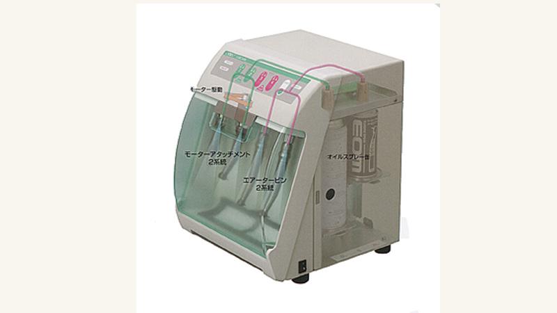数種類のドリルを5本づつ以上計60本以上のドリルをご用意し、高速滅菌機と言われる一般的な滅菌器も早く滅菌できるものを使い、各患者様毎に注油消毒、滅菌を行っています。
