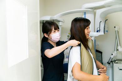 歯科医院を痛くて怖い、行きたくない場所から気持ち良くて楽しい、行きたくなる場所へと帰る取り組みをしています。
