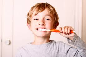 6月8日は虫歯の日!初期虫歯について